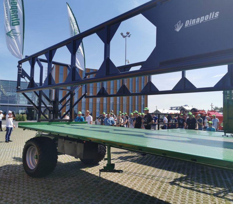 Dinapolis platforma puspriekabė trieju, dinapolis asiu su hidrauliniai šonai, platform for bales9